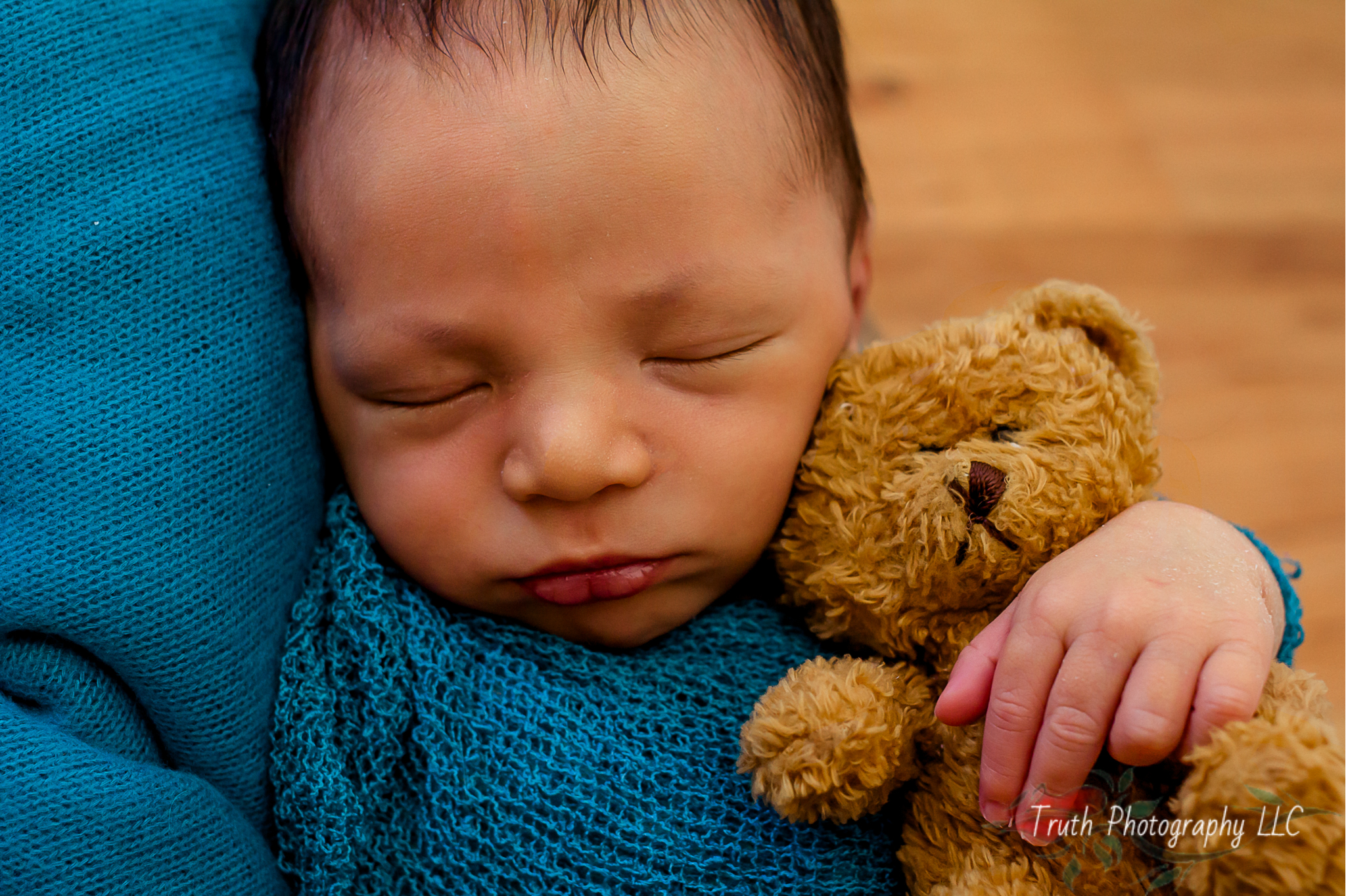 Truth-Photography-Broomfield-newborn-photographer.jpg