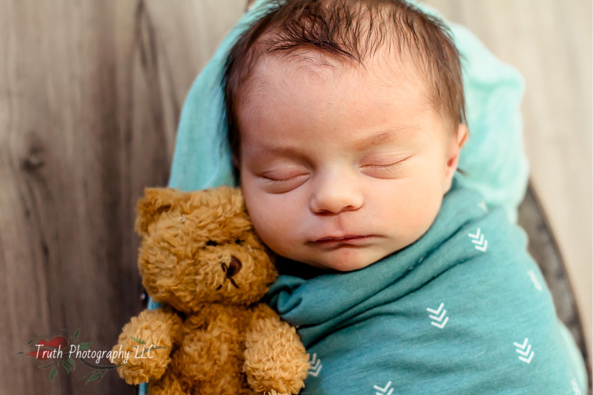 Truth-Photography-Broomfield-newborn-photo-shoot.jpg