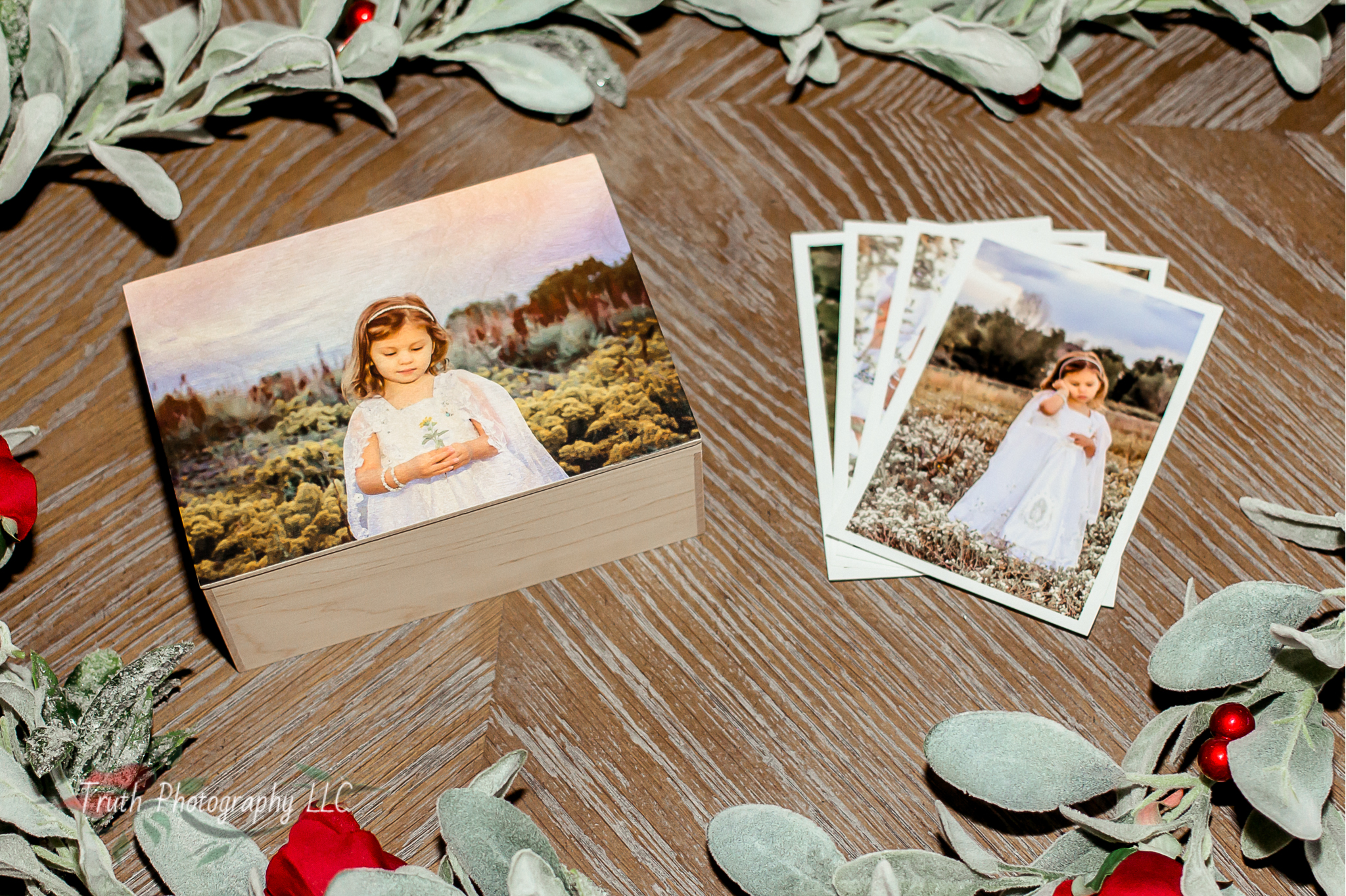 #4 Wood Keepsake box - The wood keepsake box is another great option for the mom who is running out of wall space. The keepsake box comes with 30 images however it can hold up to 350 loose 4x6 prints so she can add her own favorites or order a set from future photo shoots!