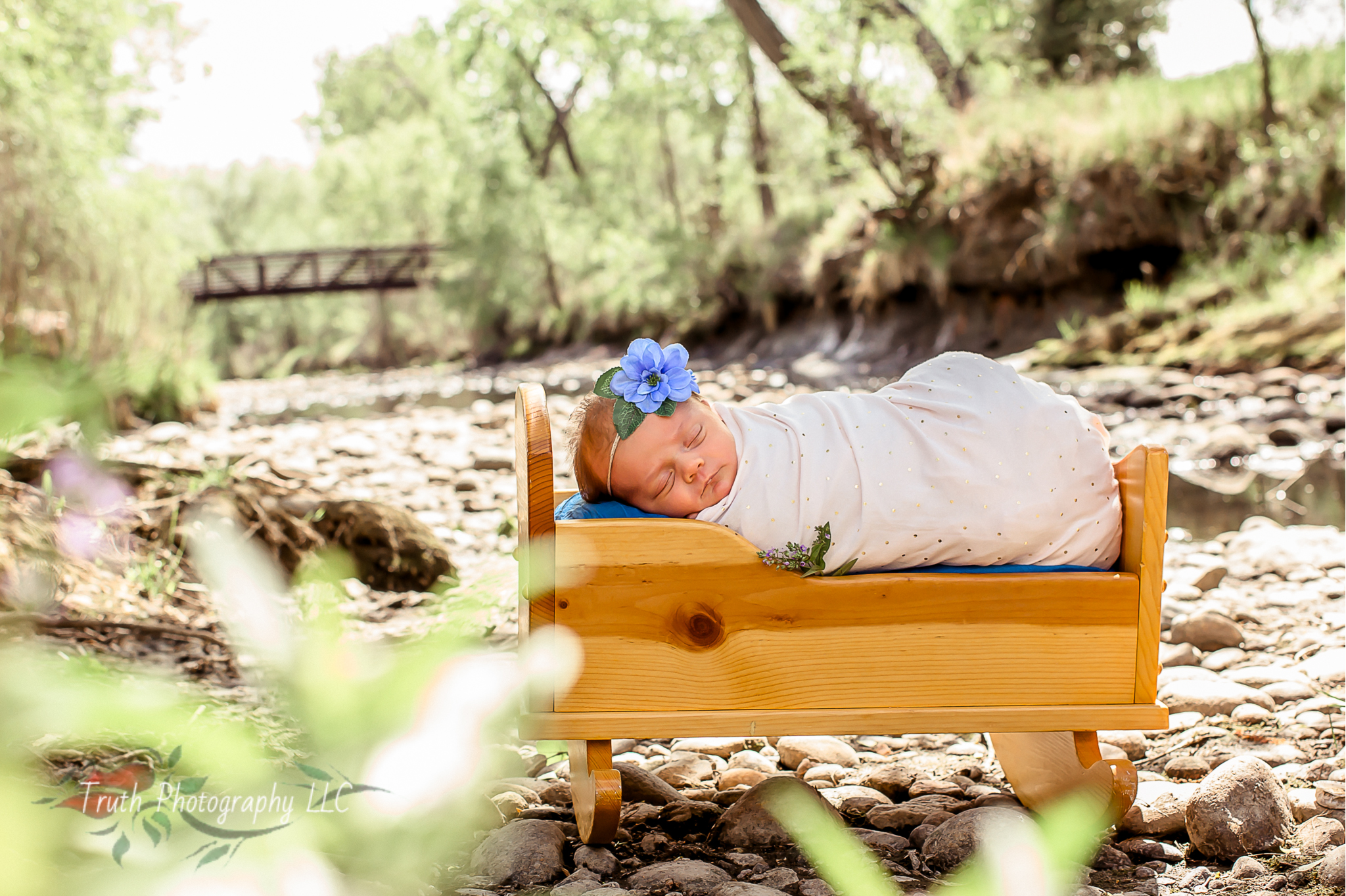 Truth-Photography-Denver-Outdoor-infant-photography.jpg