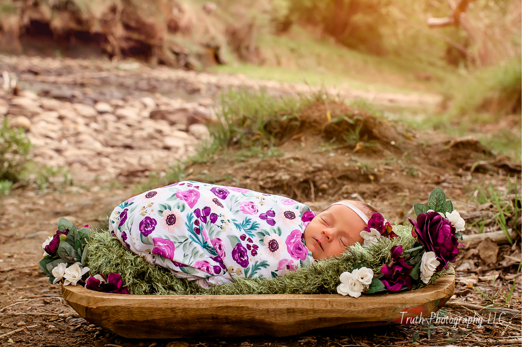 Truth-Photography-Denver-Outdoor-newborn-photos.jpg