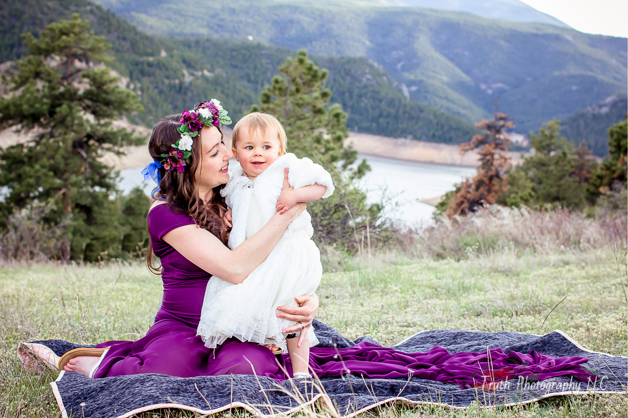 Truth-Photography-Boulder--mountain-Maternity-photograph.jpg