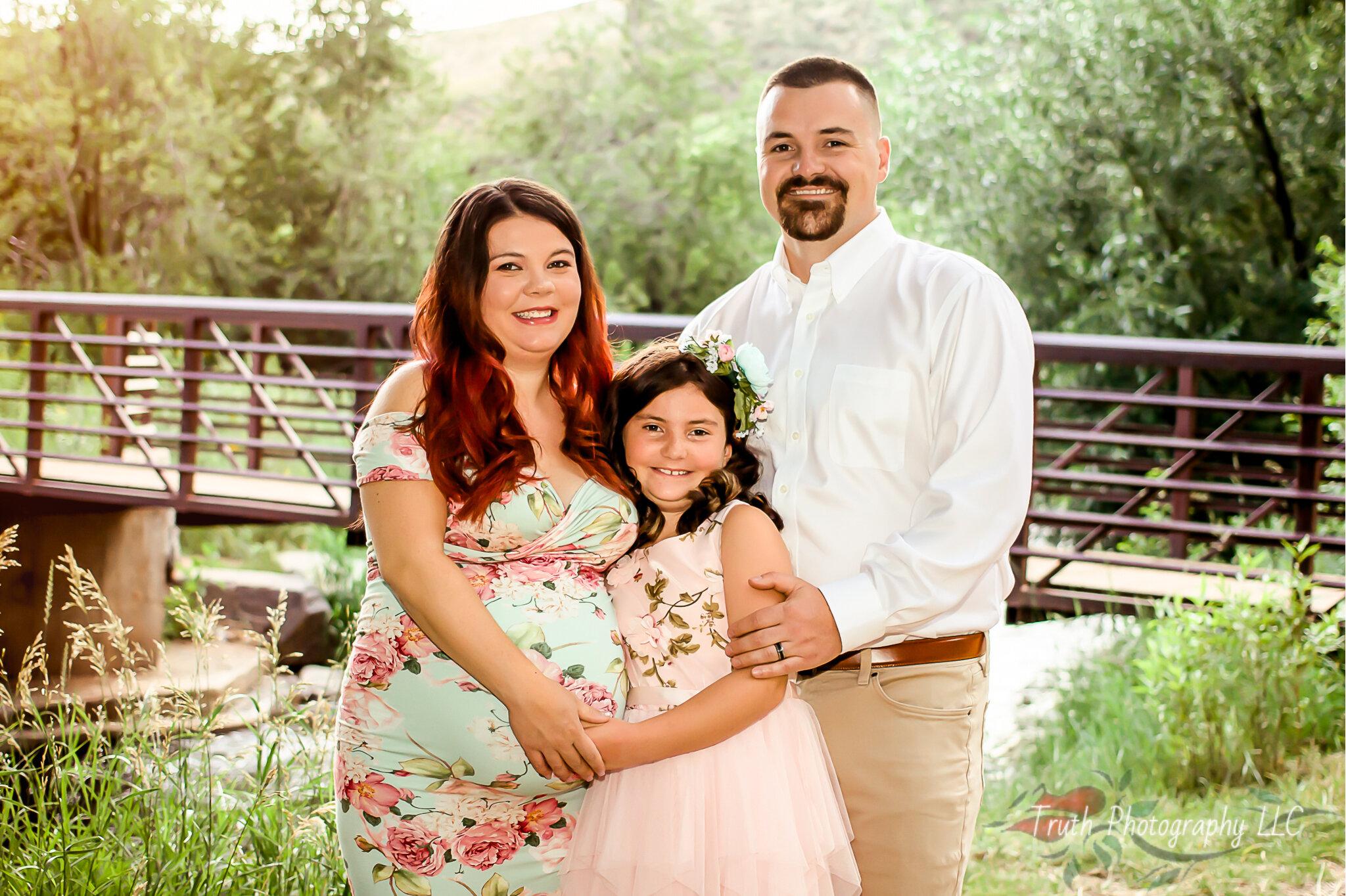 Family maternity session in Morrison Colorado