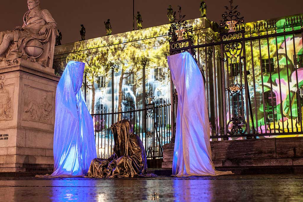 Festival of Lights Berlin Humboldt Universität Guardians of Time by sculptor Manfred Kielnhofer. Photo:    kielnhofer.at
