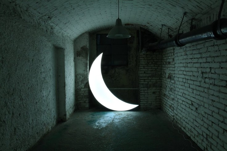 leonid-tishkov-private-moon-2003-light-object.jpg