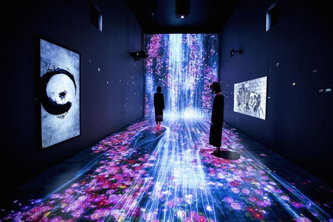 c7387-immersive-interactive-installation-in-an-art-gallery-in-london-1.jpg