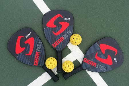 pickleball racket.jpg