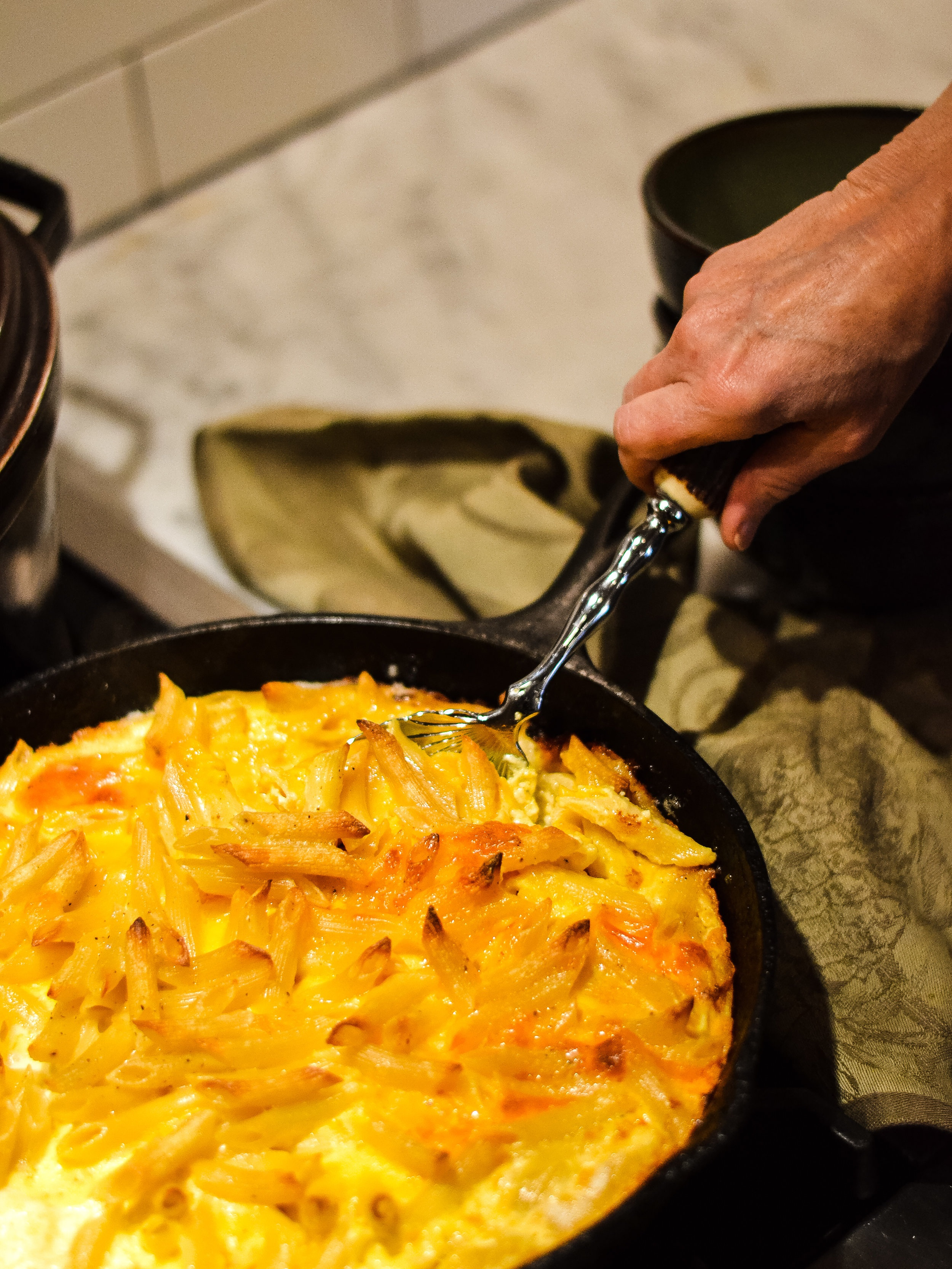 Mac and Cheese in a cast iron skillet