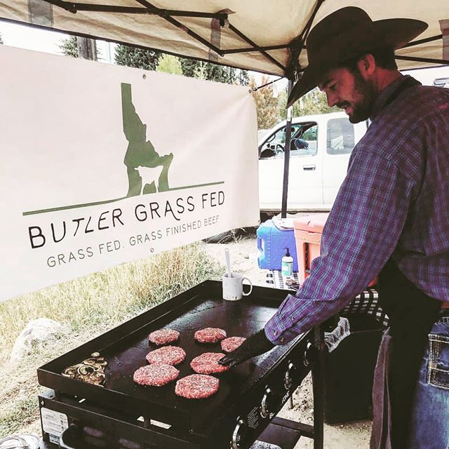 Anybody else looking forward to those summer BBQs.....Or have they already started?! Be conscience meat buyers, know where your meat comes from AND support your local ranchers! @butlergrassfed has some of the BEST beef in Idaho. Find them at the market and at your local restaurants, or DM them, see what they have in stock! . . . Repost @butlergrassfed . . . #mccallfarmersmarket #farmersmarket #dreamingofsummer #beef #locallyraisedbeef #mccall #ranching #ranchlife #knowyourfarmer #buggers #summerbbqs #boisefarmersmarket #boise #idaho #idahome
