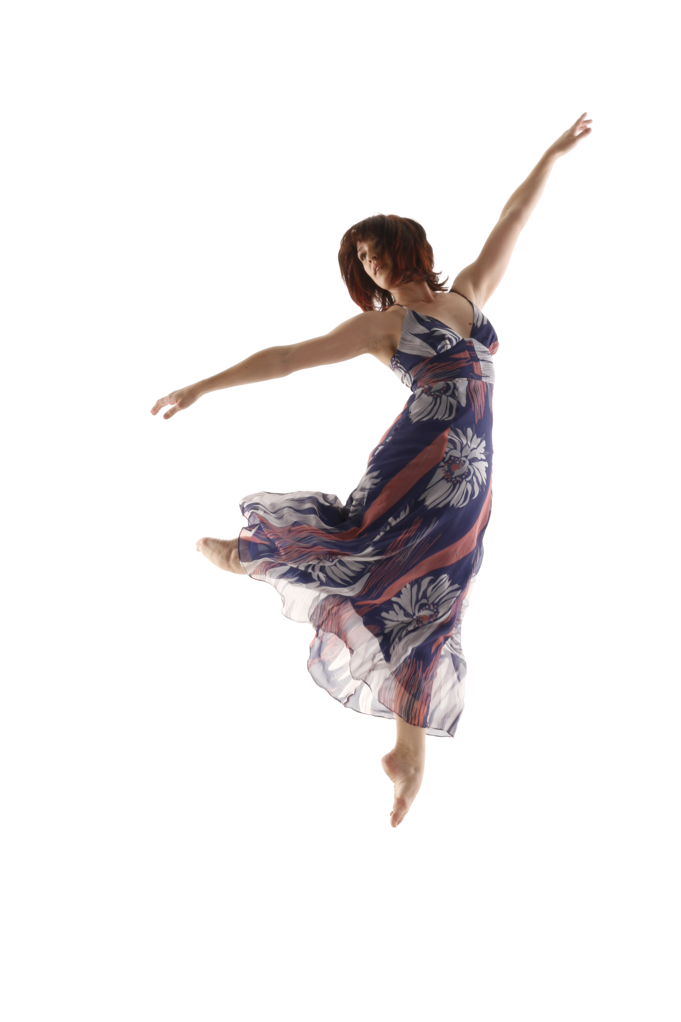 Helen Duncan_leaping_Photographer Jeremy Phillips.jpg