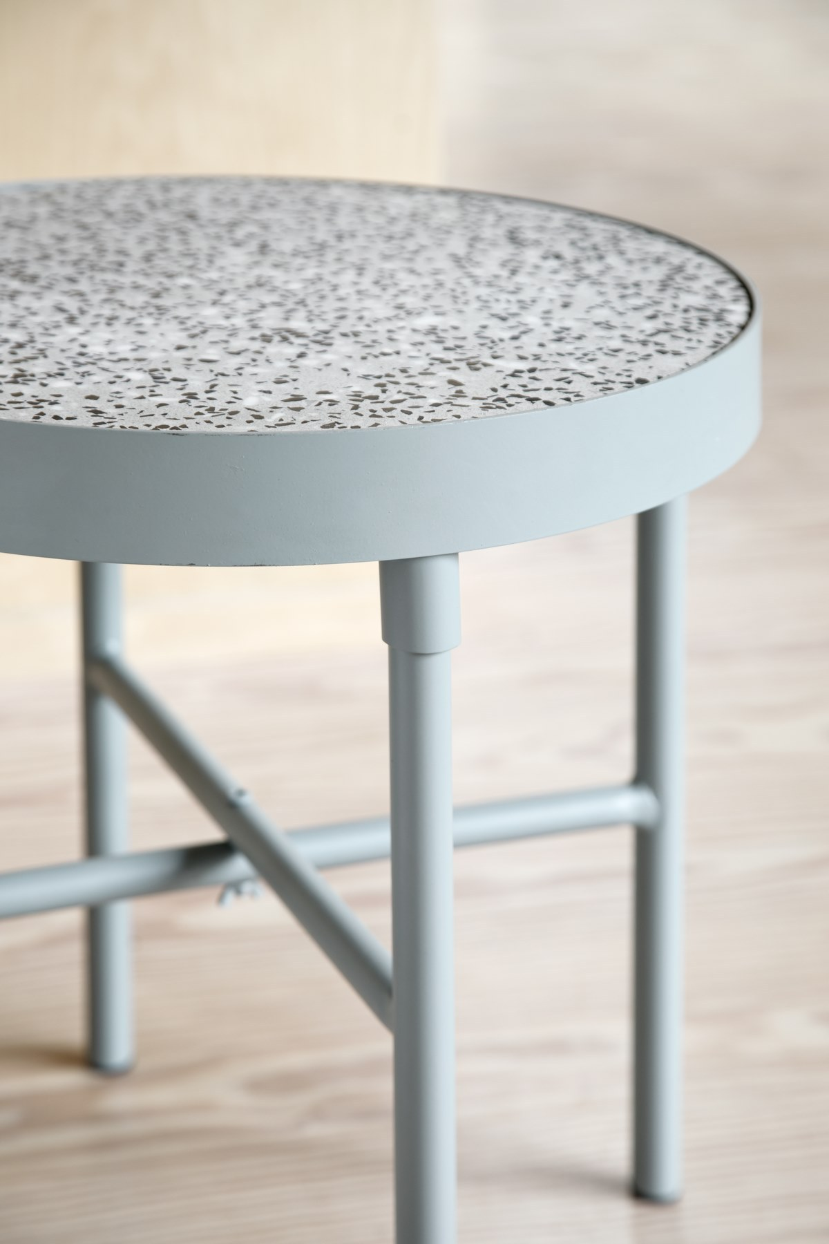 - objets & mobiliers