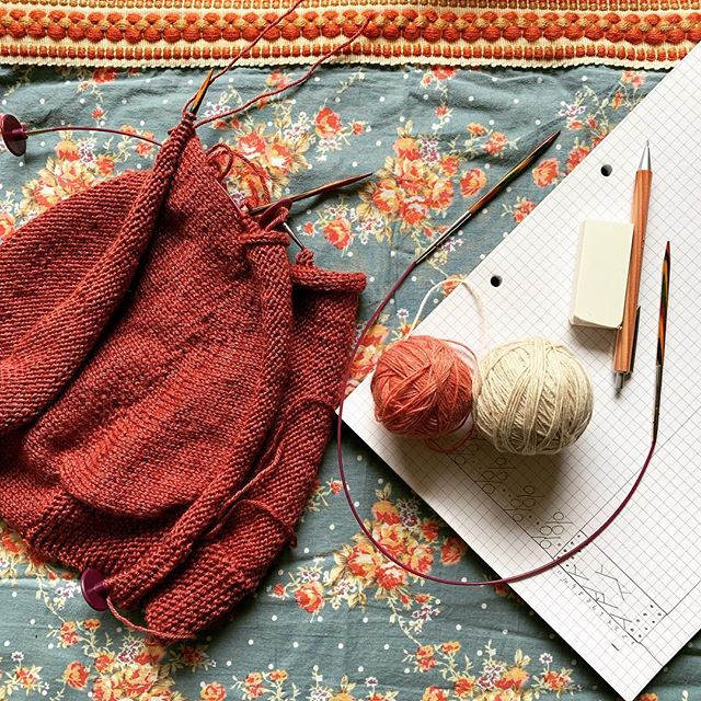 #wipthursday... Today I am getting started on a new shawl design I have going on with @irish_artisan_yarn. I will be sketching out some lace patterns today and getting some scarp yarn on the needles.  In the background I have a personal project.. the #rebelrebelcardigan by @trulymyrtlephotos  in @kettleyarnco Islington. I love this cardy already and can't wait to get it finished!  I better get to work! 🧶  #indieknitdesign #knitinspiration #nevernotknitting