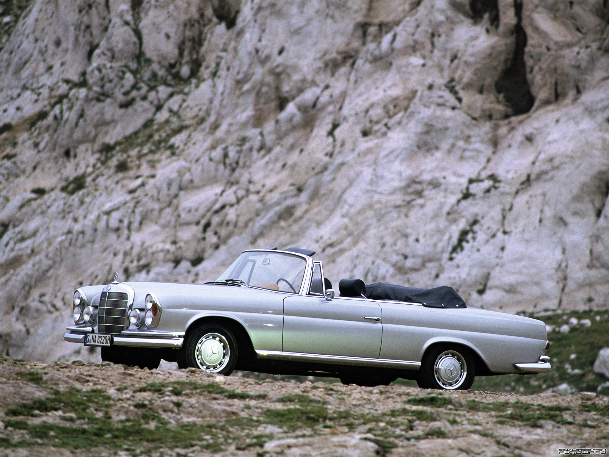 mercedes-benz-s-klasse-cabriolet-w111-112.jpg