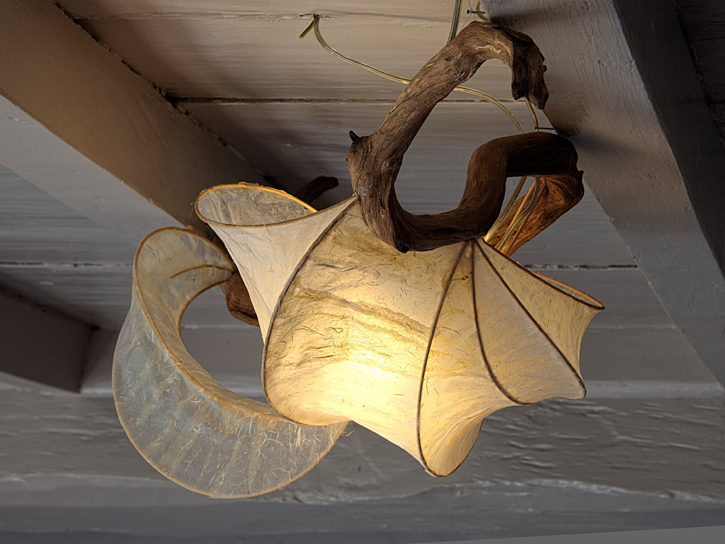 - Le papier Olino constitue souvent la base de quelque chose de beau. Les artistes connaissent la valeur des matériaux spéciaux et utilisent régulièrement notre papier pour leurs créations uniques.