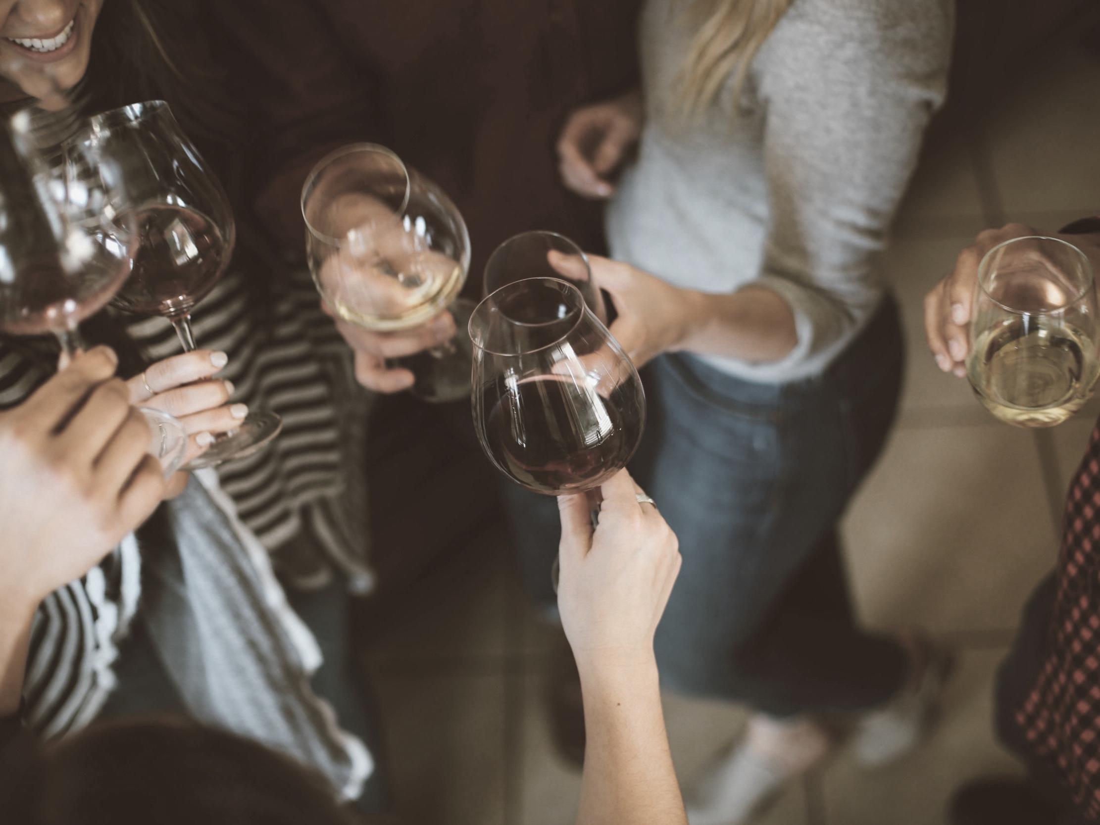 PartY & Events - Für Ihre Einweihungs- oder Dinner Party organisieren wir Catering, Personal, Musik oder auch eine externe Location.