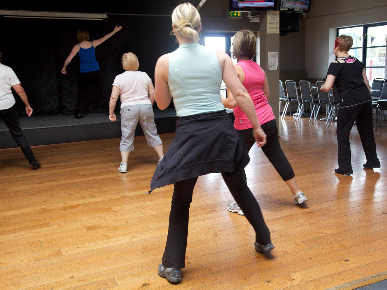 club-belle-aire-entertainment-exerciseclass.jpg