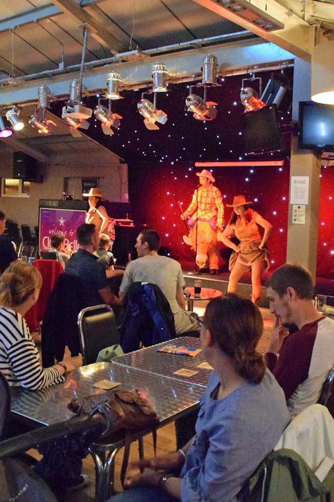 club-belle-aire-entertainment-1.jpg