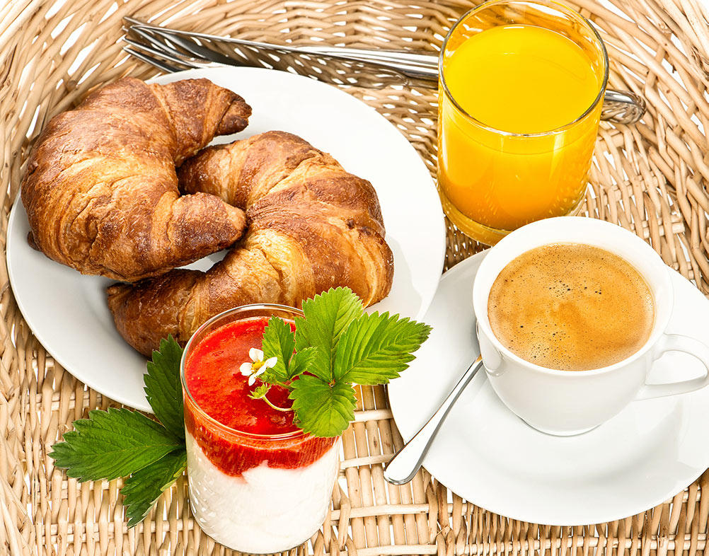 belle-aire-breakfast-basket.jpg