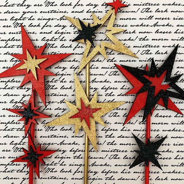 Getting my #sparklers ready! ✨#memorialdayweekend #lasercutart #metallics #founderscollection #floralpick #bouquetpicks