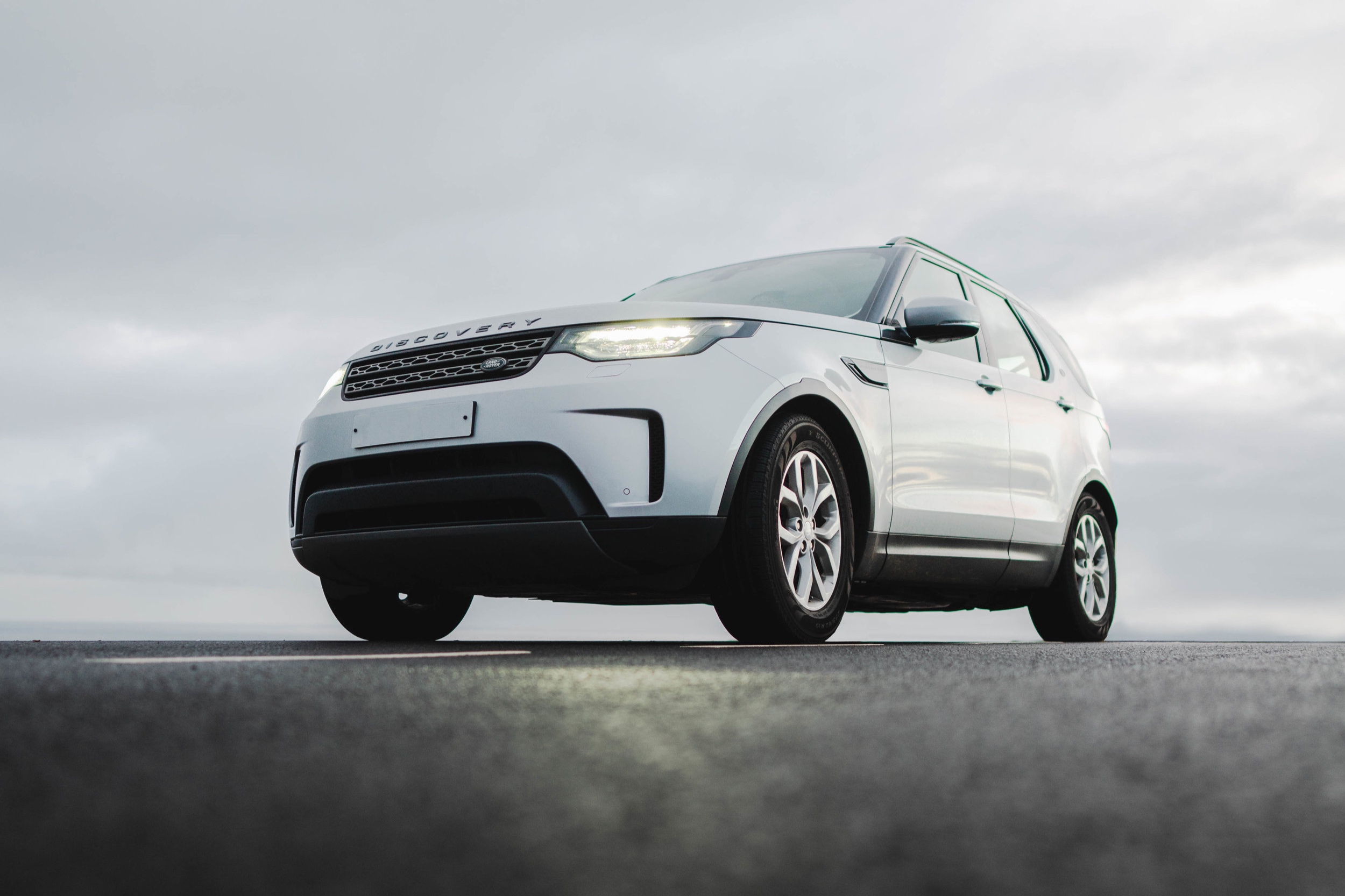 landrover-discovery.jpg
