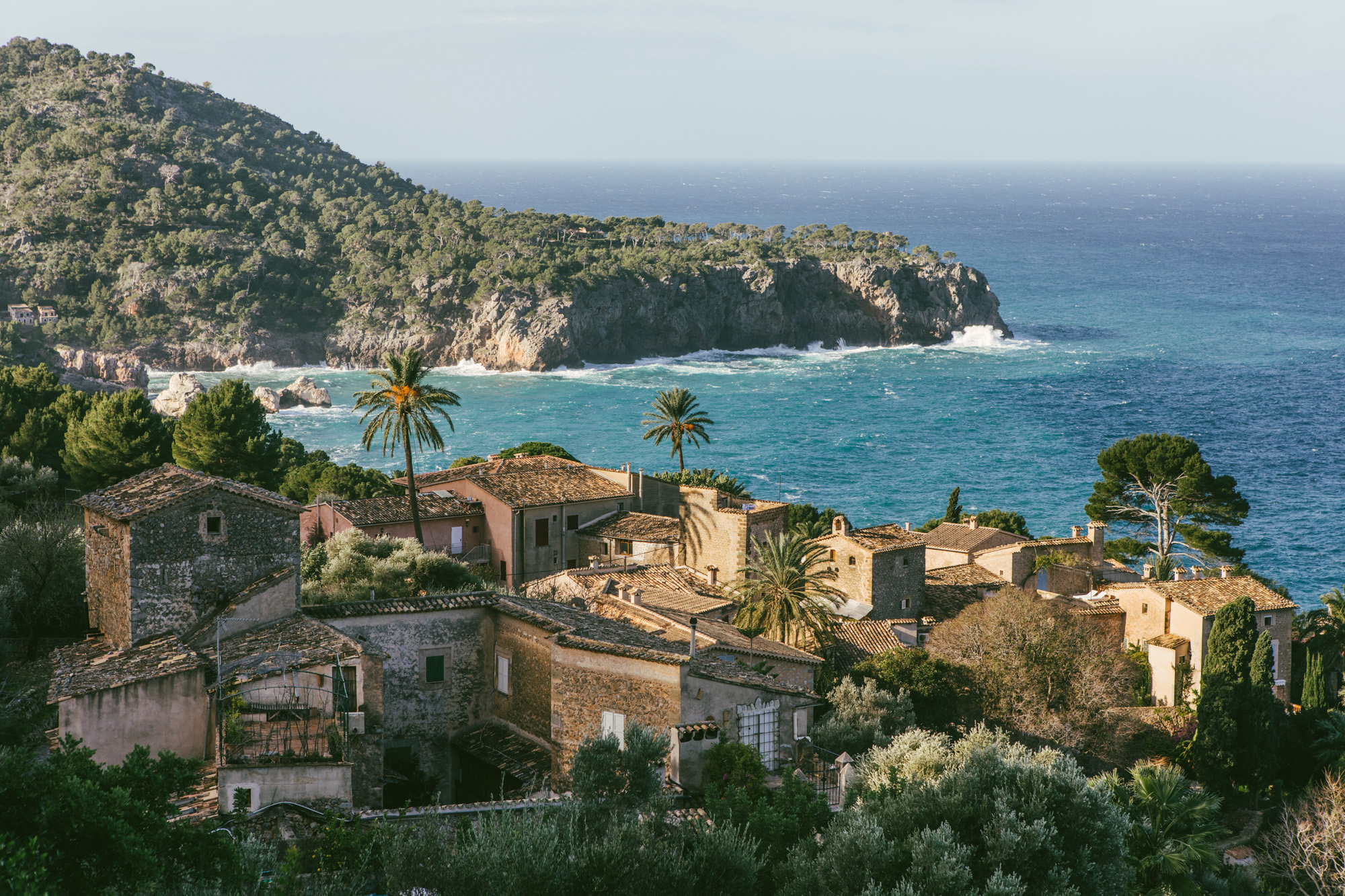 Once you pass Deiá coming from the west, you can look left and back to the views and find this stunning piece of coast.