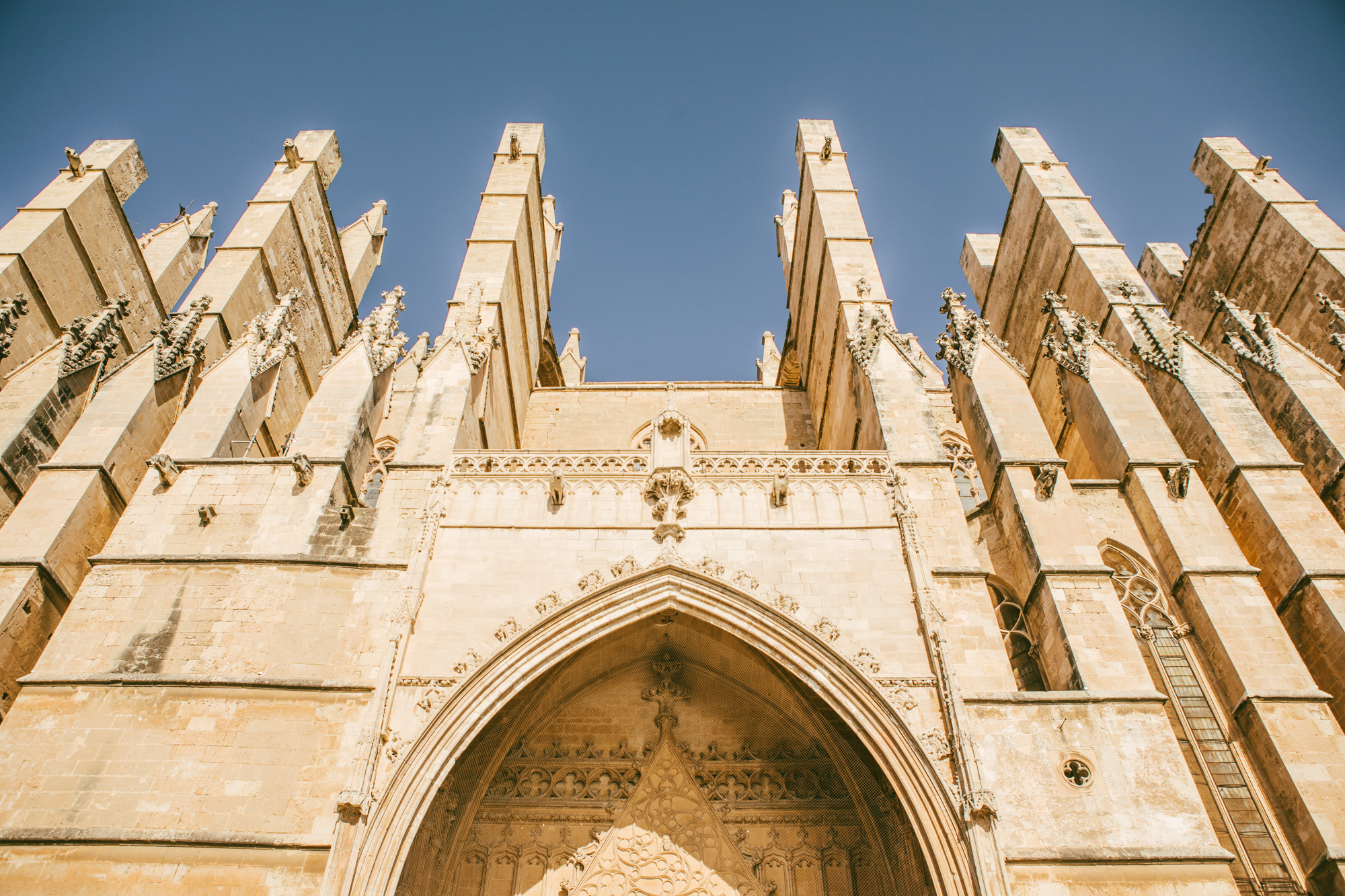 A closeup of some of the detail work of the Palma Cathedral.