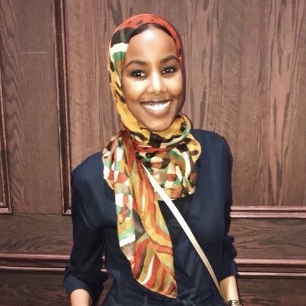 Polymath seeking a new challenge. - Meet Muna Ali, a Canadian of Somali origin. After having worked at the intersection of science and business, she joins this year's MBA-cohort at Cambridge to bring her skills to the next level—and becomes a member of our growing Filentia community.