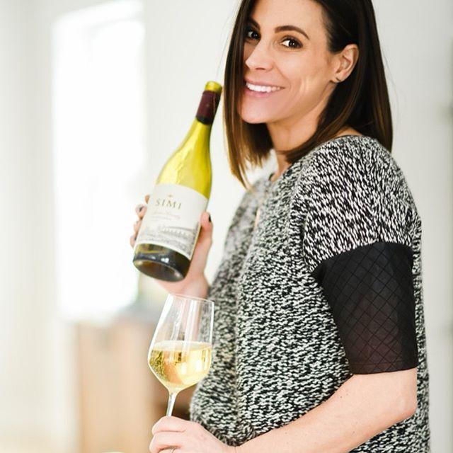 🍷Happy National Wine Day....I mean HAPPY NATIONAL WINE DAY!!! . #nationalwineday  #wineday #everyday #I❤️wine #simi #chardonnay #agentsofcompass #dobbsferry