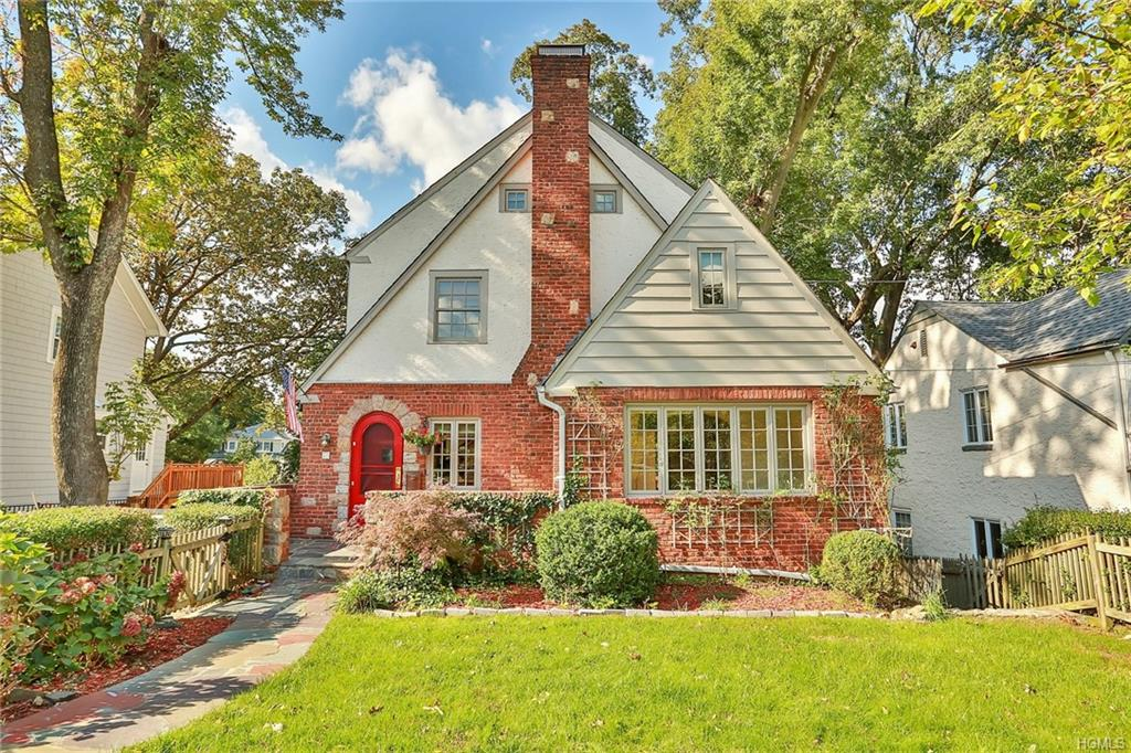 75 Hickory Grove Drive West, Larchmont
