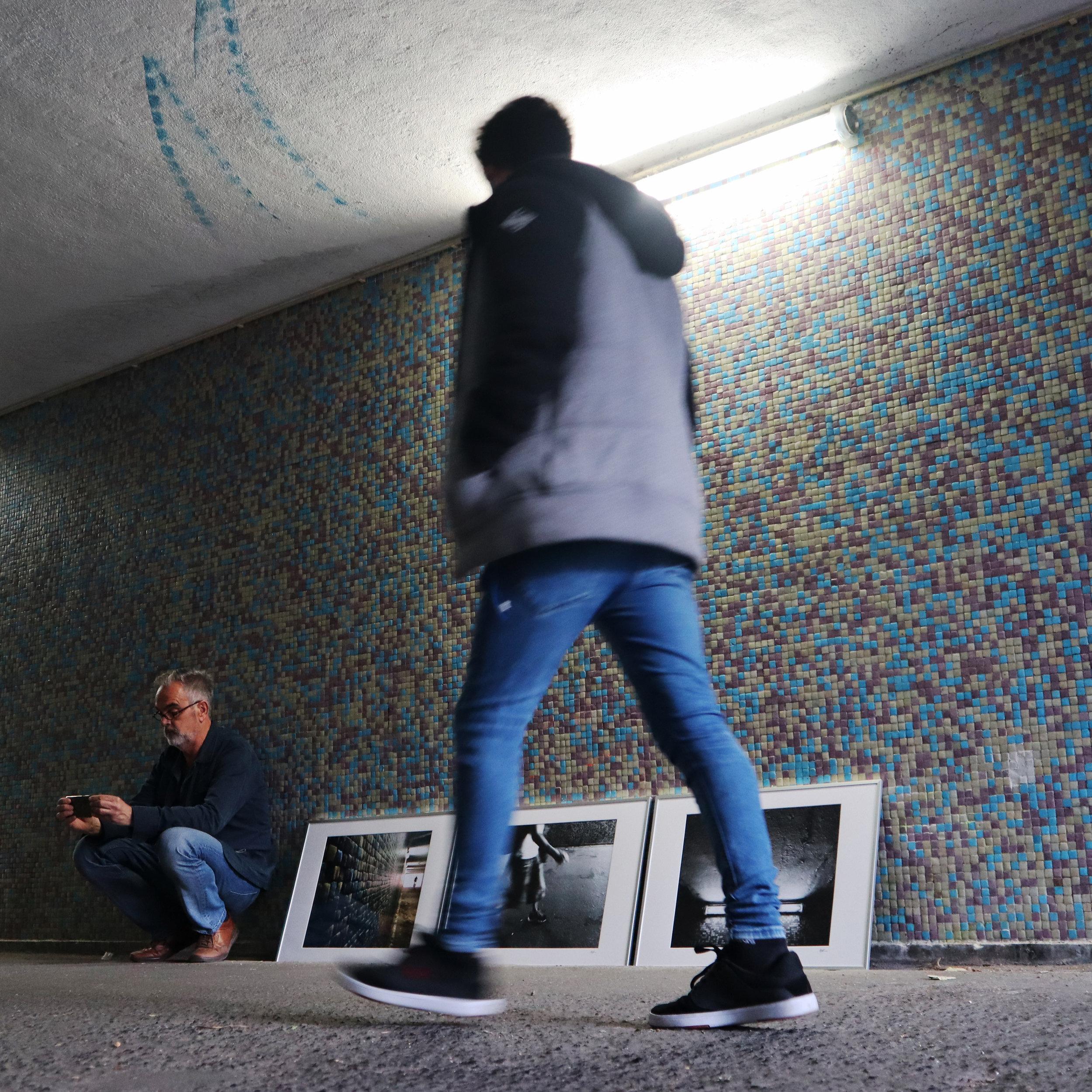 CARRASCO_art_gallery_ACR_walking_in_the_tunnel_of_DESOBJECTION_05.JPG