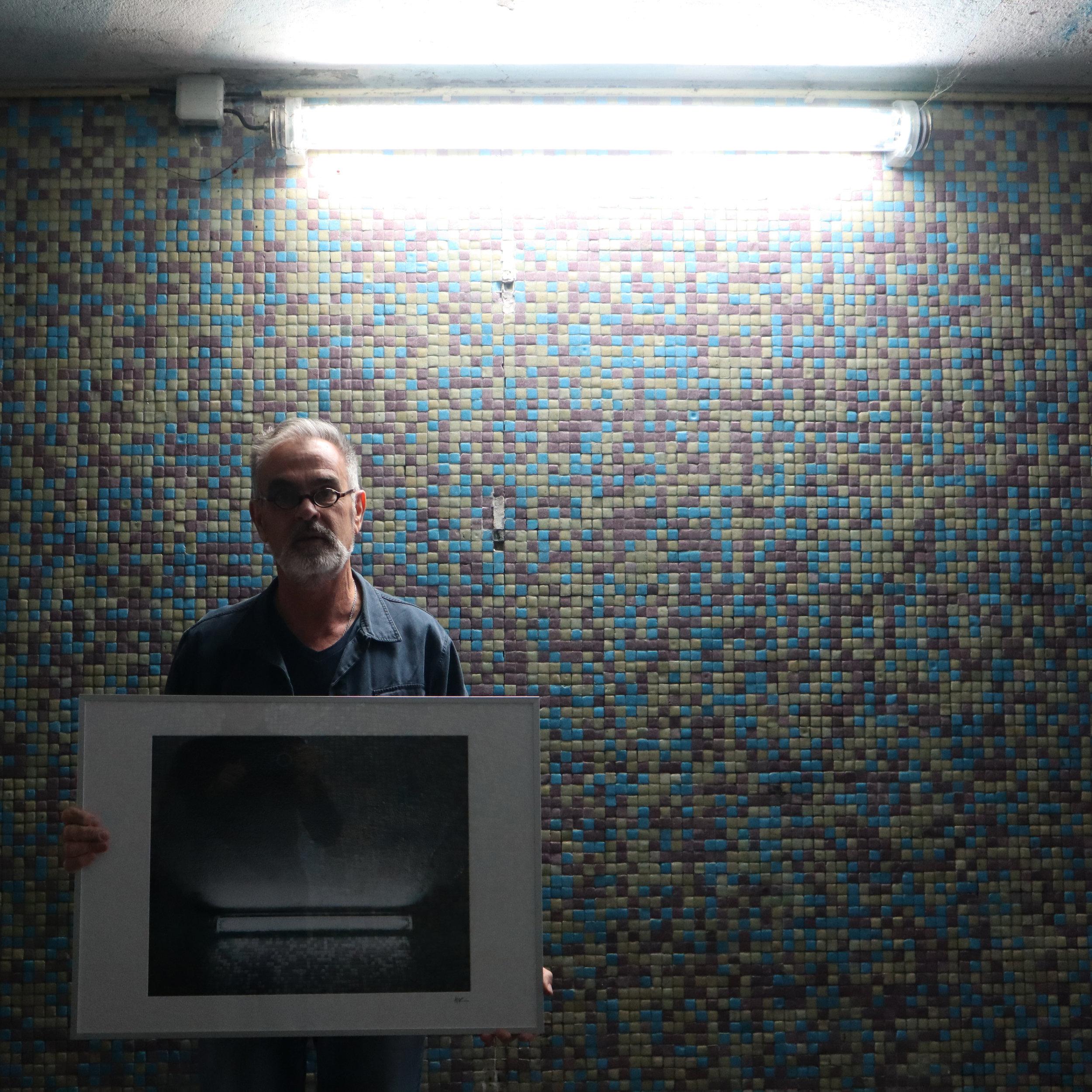 CARRASCO_art_gallery_ACR_walking_in_the_tunnel_of_DESOBJECTION_15_.jpg