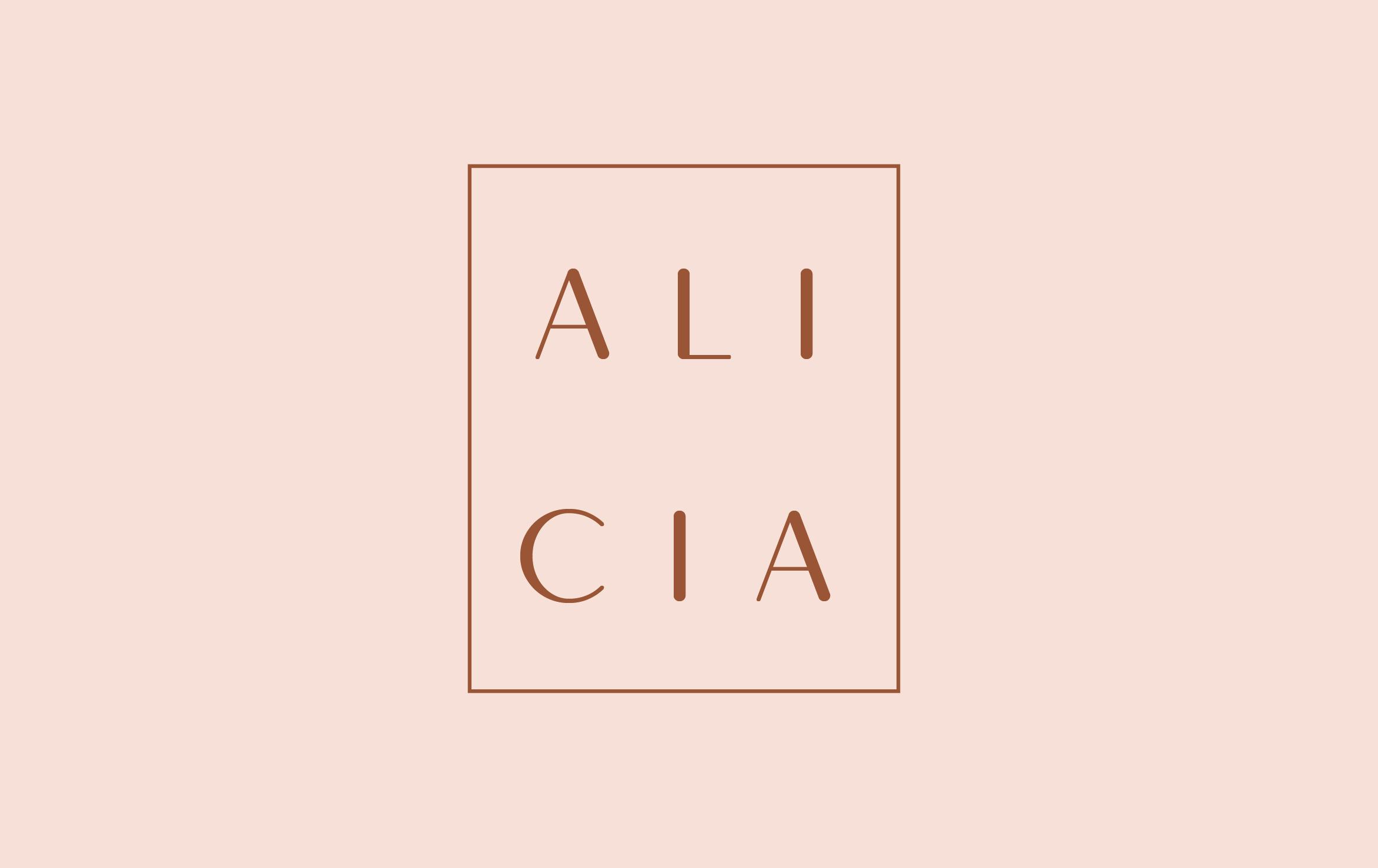 Alicia_Galerie.victorinepiot.com.png