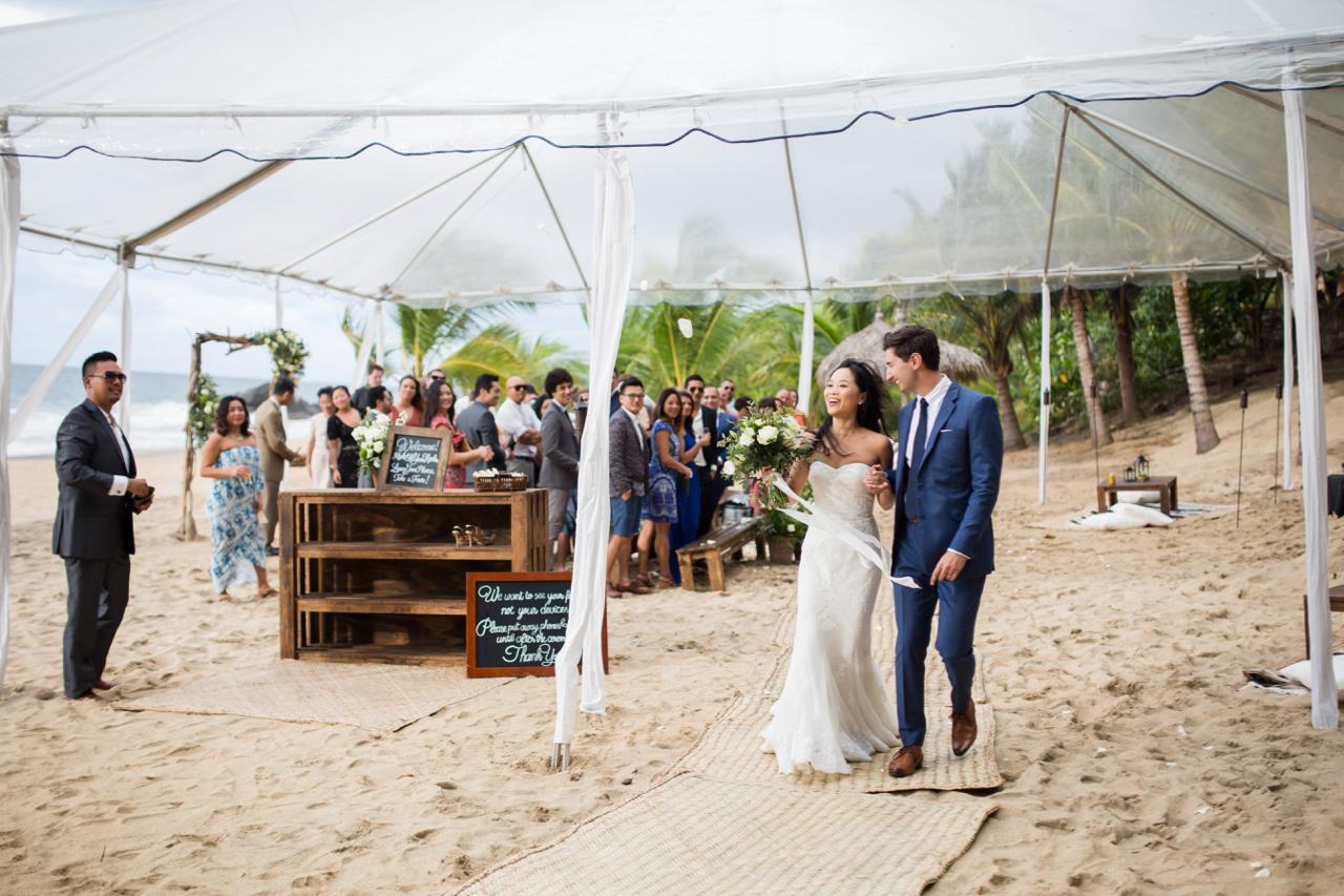 jess-michael-wedding-photos-table4weddings-dec-6-2016-24-of-39.jpg