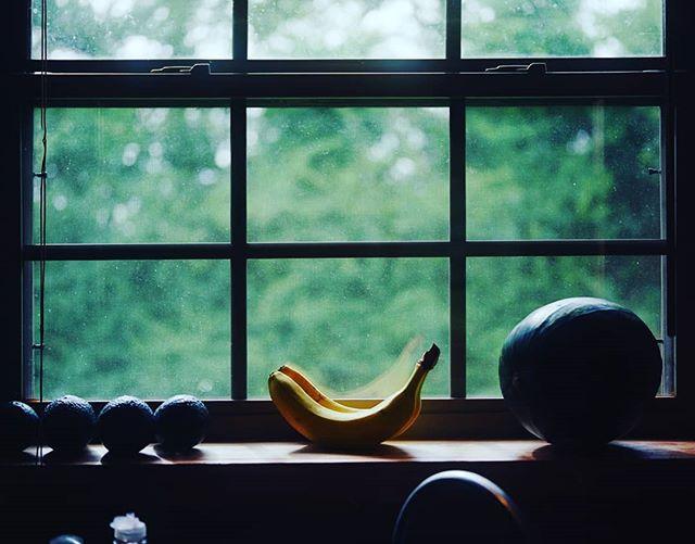 #GOODMORNING #banana #filmsnotdead #portra400 #sexyfruit #mfa #artvacation #artistinresidence #breakfast #shootfilmnotpixels #icarriedawatermelon