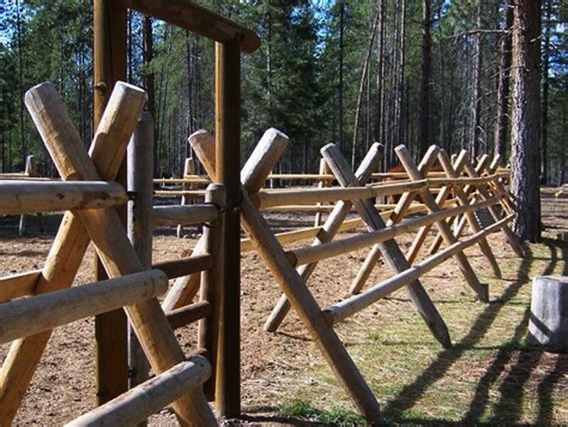 Roundwood-livestock-fencing.jpg