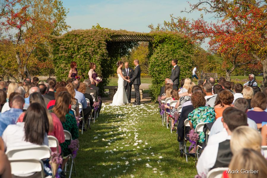 cox-arboretum-dayton-wedding-banquet-hall-venue-elite-catering-mark-garber-photography_006.jpg