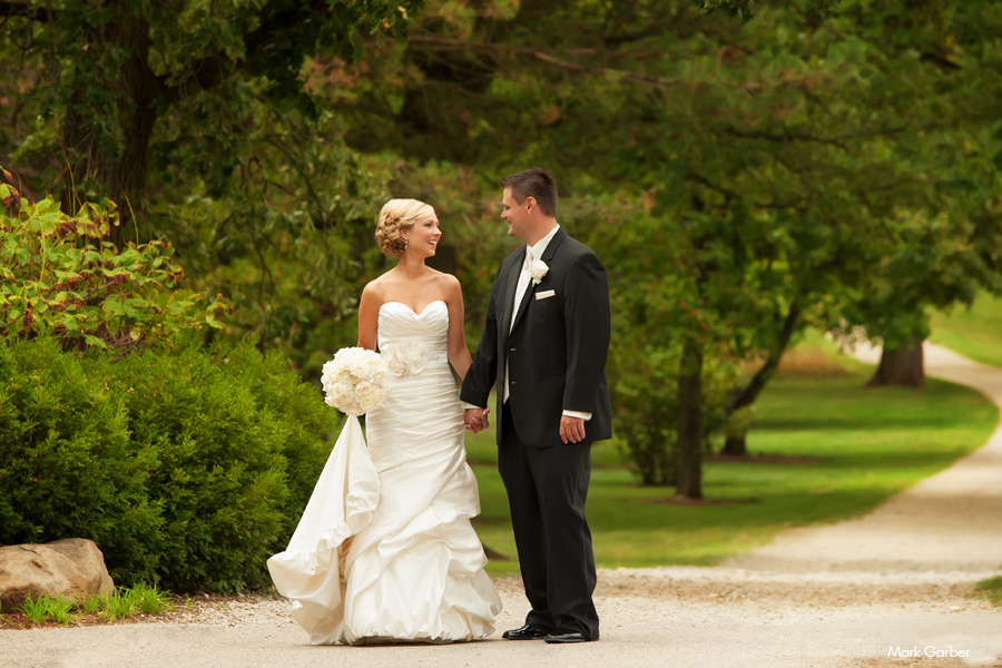 Dayton-cox-arboretum-wedding-banquet-hall-venue-elite-catering-mark-garber-photography_005.jpg
