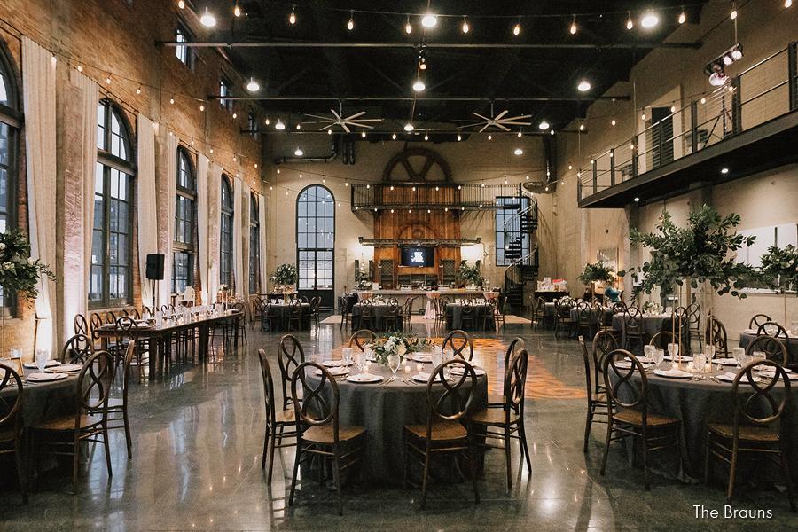 steam-plant-dayton-wedding-event-venue-elite-catering-brauns-photography_008a.jpg