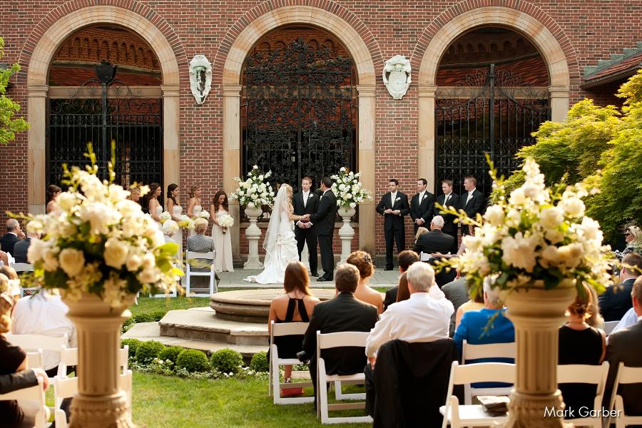 dayton-art-institute-wedding-venue-elite-catering-mark-garber-photography_010.jpg
