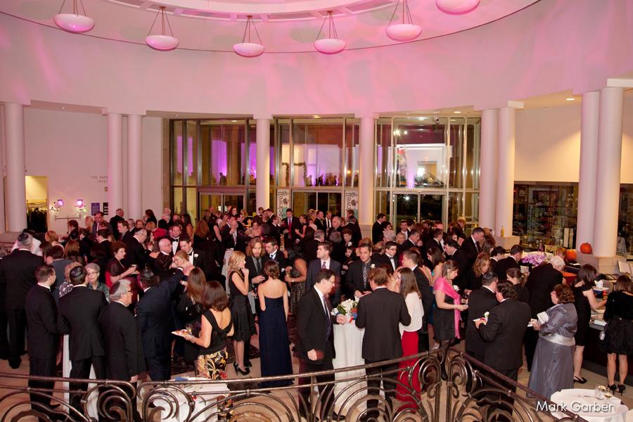 dayton-art-institute-wedding-venue-elite-catering-mark-garber-photography_011.jpg