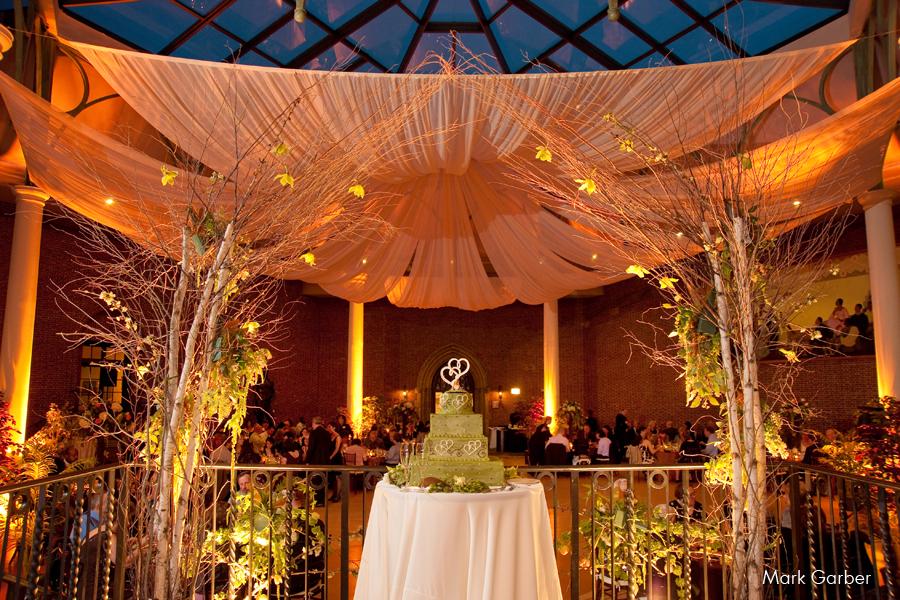 dayton-art-institute-wedding-venue-elite-catering-mark-garber-photography_013.jpg