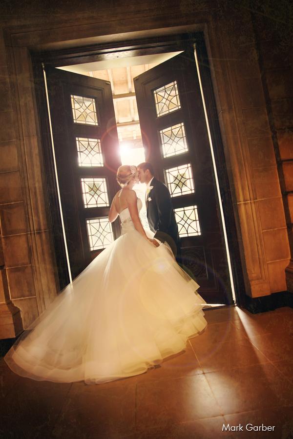 dayton-art-institute-wedding-venue-elite-catering-mark-garber-photography_022.jpg