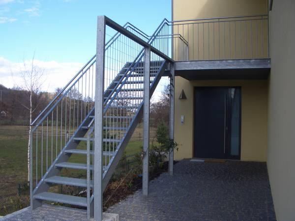 Metalltreppen - Gerne liefern wir Ihnen Metalltreppen für den Außenbereich in unterschiedlichen Varianten.