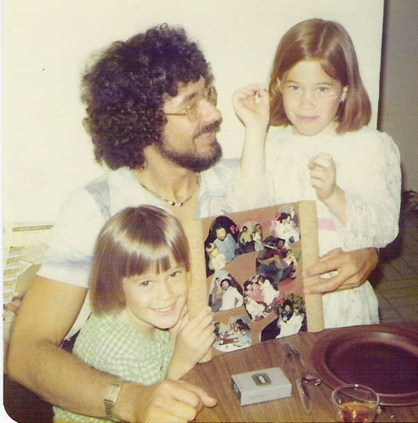 Dad_with_daughters.jpg