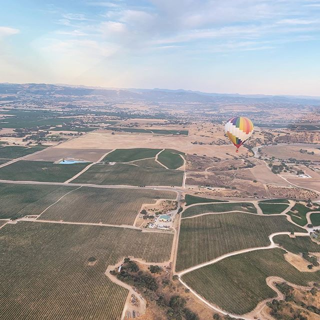 Just boppin around the river valley! Thanks @planephreak for the fly by ✈️🎈 #morning #cruise #fly #pasorobles #centralcoast #hotairballoon #balloonsoverpaso