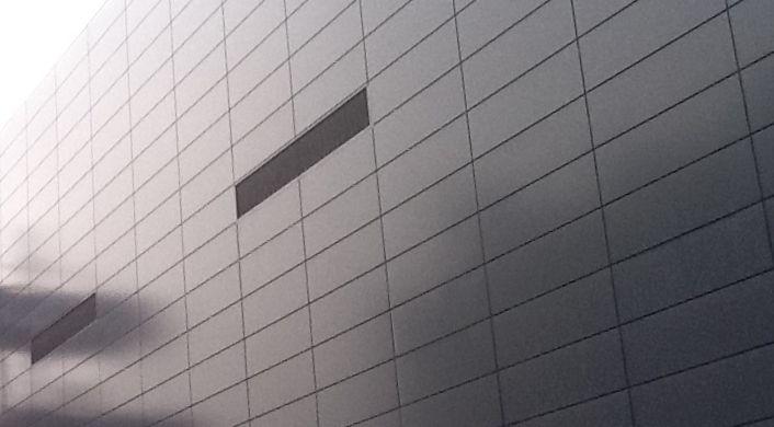 MK-Facades-terminal-2B-heathrow-airport-trimo-panel-hadley-steel-frame-003.jpg