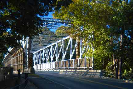 p-riverside-train-bridge.jpg