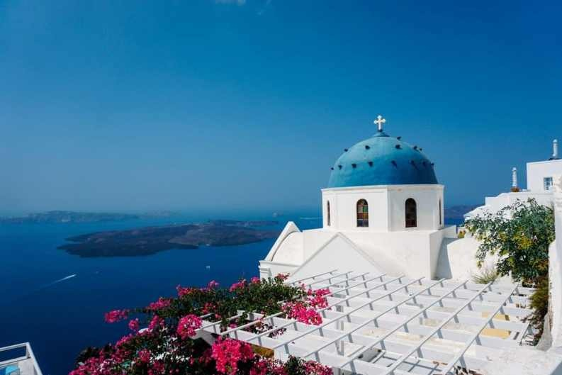 Santorini, Greece - Travel Story | A Girl's Guide to Santorini