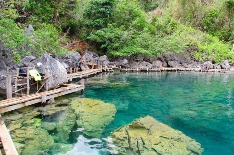Coron, Philippines - Travel Story | Lagoons & Hidden Lakes