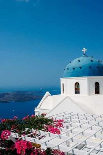 Santorini, Greece - A Girl's Guide to Paradise